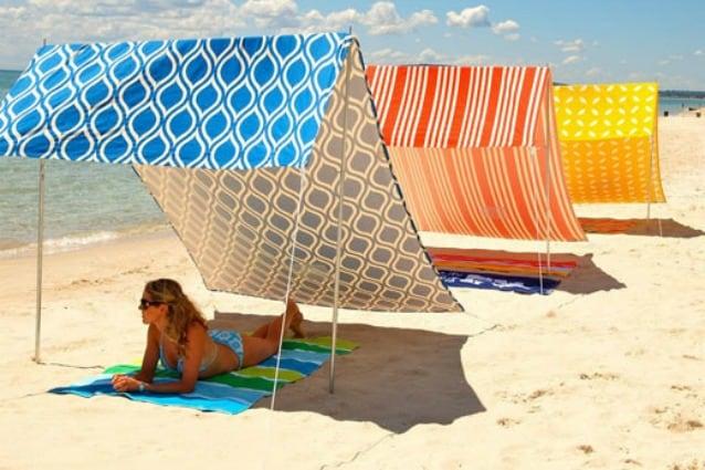 Ombrellone Piccolo Da Spiaggia.Vacanze In Arrivo Ecco Gli Ombrelloni Piu Innovativi Di Sempre