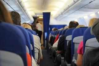 Qual è il luogo più sporco su un aereo? Non lo immaginerete mai