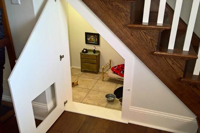Bagno Piccolo Sottoscala : L idea geniale come trasformare il sottoscala in una camera da