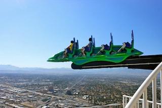 X-Scream: le montagne russe sospese sul tetto di un grattacielo