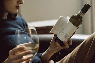Librottiglia: l'idea geniale che unisce il buon vino al piacere della lettura
