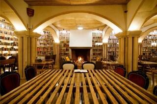 Il paradiso dei bibliofili: all'interno dell'hotel-biblioteca di Óbidos