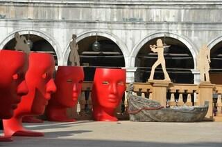 Design per Carnevale: arriva la sedia a forma di maschera