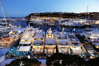 Un club galleggiante per soli miliardari: ecco il più grande super yacht del mondo