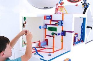 Un'idea geniale: questo nastro adesivo trasforma ogni superficie in una costruzione LEGO