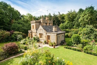 Vendesi il più piccolo castello d'Inghilterra: costa quanto un appartamento in città