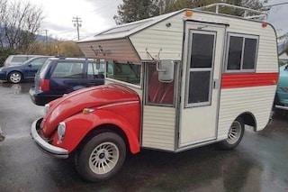 Super Bugger: quando il Maggiolino Volkswagen si innamora di un camper
