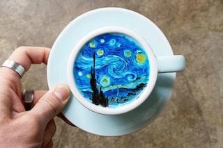 Un barista coreano trasforma delle comuni tazze di latte in opere d'arte