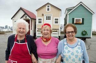 Piccole case per pensionati: così tre anziane donne hanno rivoluzionato la propria vita