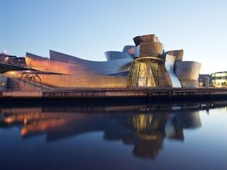 Il Guggenheim di Bilbao compie 20 anni: come un Museo ha trasformato una città