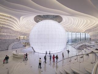 Nella Tianjin Binhai Library, la biblioteca più futuristica al mondo