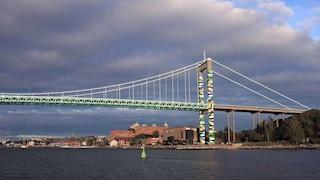 Göteborg, un ponte di LEGO: ecco l'intervento artistico di Christo Guelov