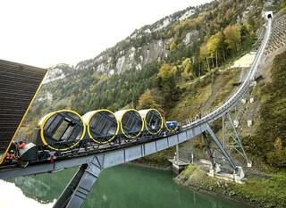 Svizzera, apre la funicolare più ripida al mondo