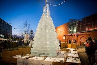 Natale 2017, a Torino l'albero è di ghiaccio