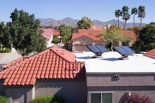 Source, i pannelli solari che estraggono acqua potabile pulita dall'aria