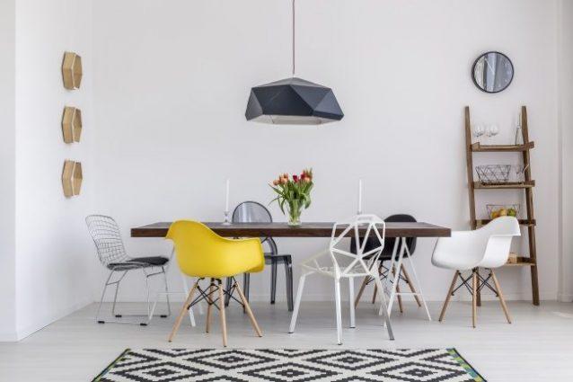 Cucina Bianca Moderna Con Tavolo Antico.Gli Stereotipi Sull Arredamento Che Bisognerebbe Evitare
