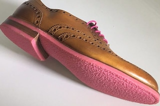 Gumdrop, la scarpa fatta di chewing gum riciclata per ripulire le strade