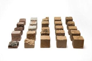 Finite, il nuovo materiale da costruzione fatto con la sabbia dal deserto