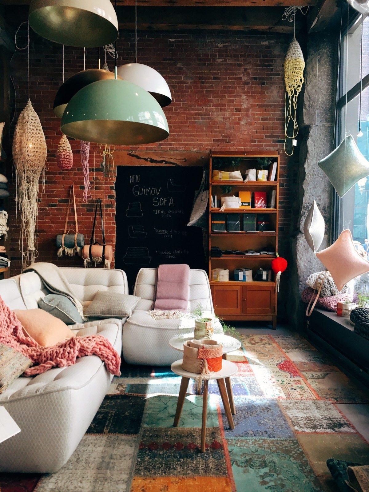 Illuminazione Per Soggiorno Moderno l'illuminazione per la casa: quale luce scegliere stanza per