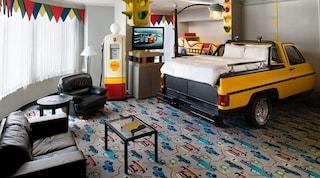 Fantasyland, l'hotel più stravagante di sempre
