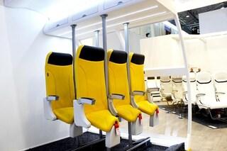 Sugli aerei arrivano i sedili per viaggiare in piedi. Il progetto è Made in Italy