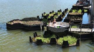 Recycled Park, il parco galleggiante di Rotterdam creato coi rifiuti di plastica riciclata