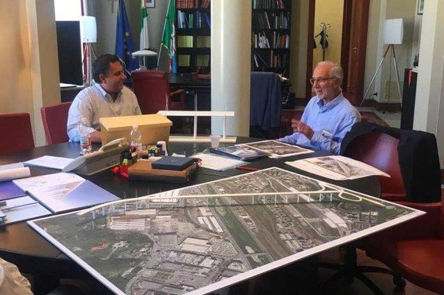 Renzo Piano nella sede della Regione Liguria con il governatore Giovanni Toti