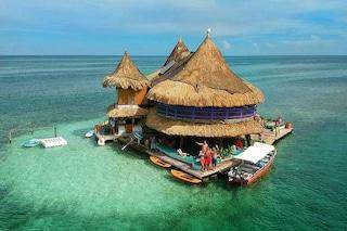 Casa en el Agua, l'eco-ostello nel mezzo dell'oceano caraibico