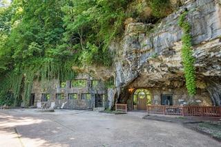 Beckham Creek Cave Lodge, la grotta più lussuosa del mondo