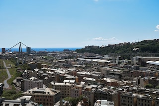 Genova, il ponte di Renzo Piano tra critiche e polemiche