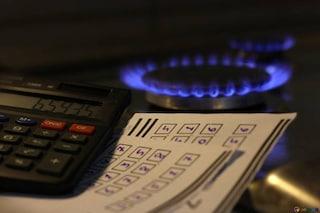 Aumenti luce e gas ad ottobre: come far fronte ai rincari in bolletta