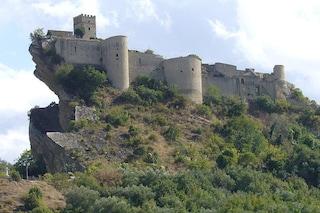 Affittasi in Italia castello da fiaba per meno di 90 euro a notte
