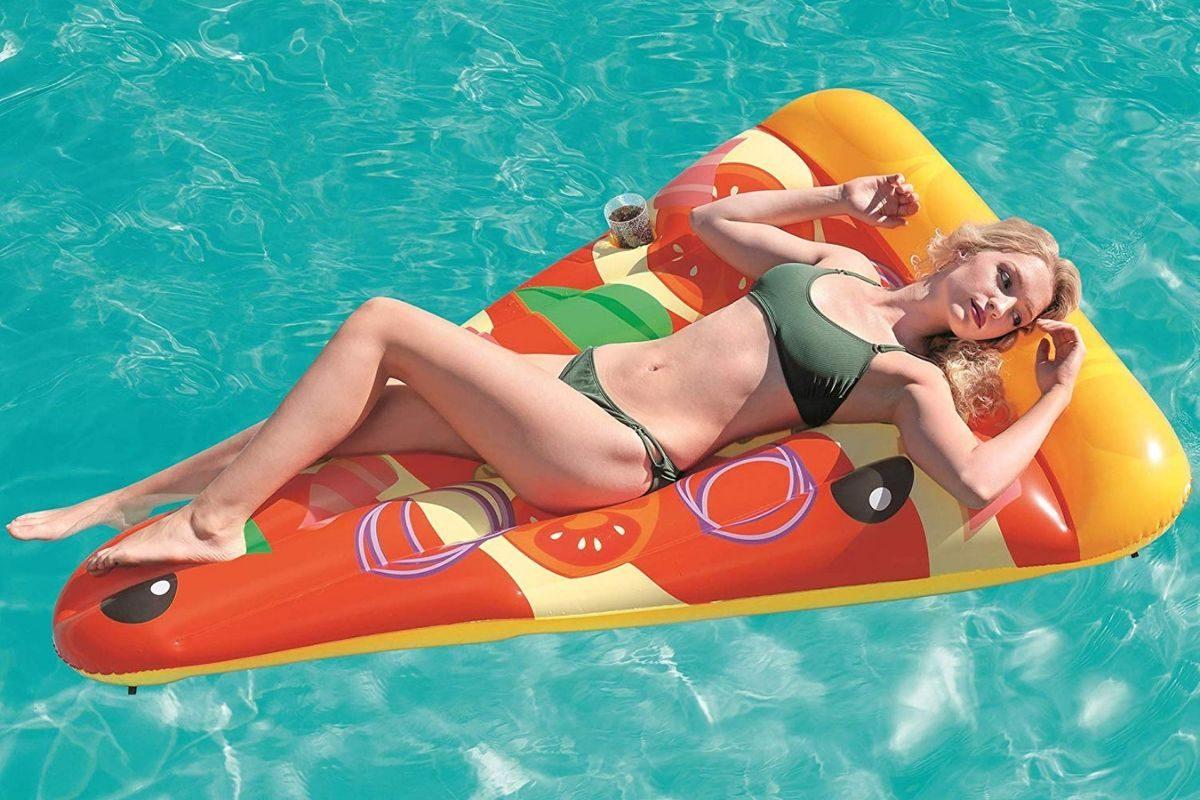 Materassino gonfiabile da mare a forma di pizza