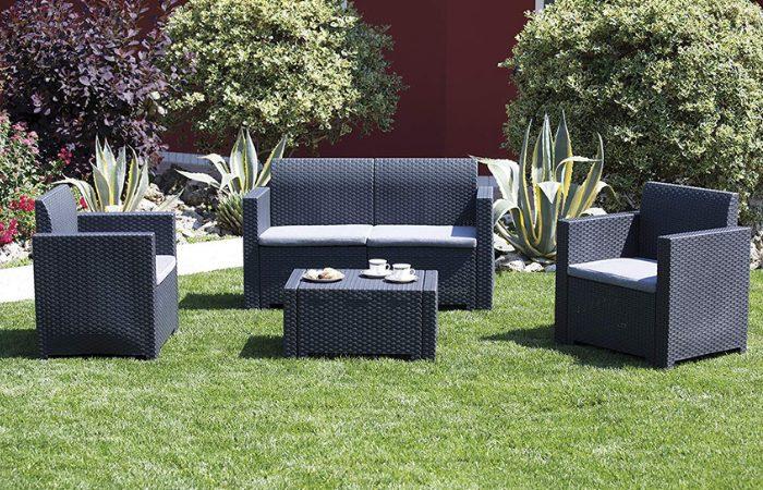 I migliori set di mobili da giardino del 2020 for Divanetto da balcone