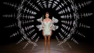 Le sculture cinetiche di Anthony Howe conquistano la moda