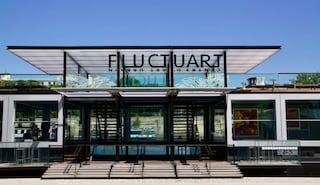 Fluctuart, il primo museo di arte urbana galleggiante