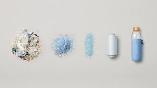 I rifiuti di plastica degli oceani diventano bottiglie ecologiche