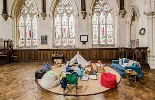Champing, il campeggio in chiesa che spopola in Inghilterra
