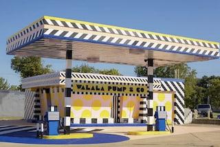 Camille Walala trasforma le stazioni di servizio in disuso in opere d'arte