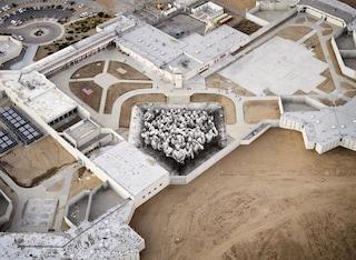 Tehachapi, il murale di JR che racconta le storie dei detenuti della California