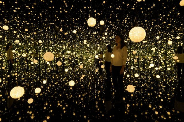 Il segreto dell'Infinity Mirrored Room di Yayoi Kusama