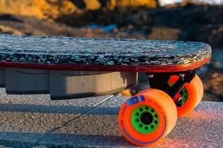 PET Mini, lo skateboard elettrico fatto con la plastica riciclata