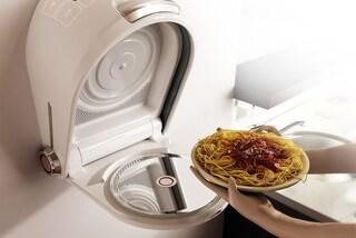 Il forno a microonde da parete ideale per chi ha poco spazio in casa