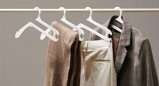 Hurdle Hanger, la gruccia multiuso che tiene il guardaroba in ordine