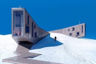 Winter Hotel, l'albergo che emerge dalle piste da sci