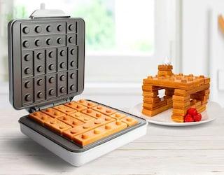 La prima piastra per waffle a forma di LEGO al mondo che renderà unica la vostra colazione