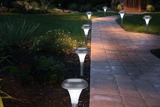Le migliori lampade solari da giardino