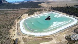 Surf Lakes, la più grande piscina di onde del mondo