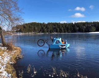 Z-triton, il mini camper elettrico che è sia casa, trike che barca