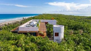 Casa Bautista, la villa immersa in una riserva naturale sul Mar dei Caraibi